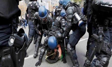 2016-04-29t132825z_1_lynxnpec3s0vi_rtroptp_4_france-protests-e1487006441636-700x400