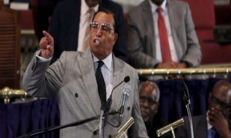 """Nation of Islam leader Louis Farrakhan addresses the audience at the metropolitan African Methodist Episcopal Church in in Washington June 24, 2015. Farrakhan met with local leaders to discuss the upcoming """"Million Man March"""" on October 10, 2015. REUTERS/Carlos Barria - RTR4YT6U"""