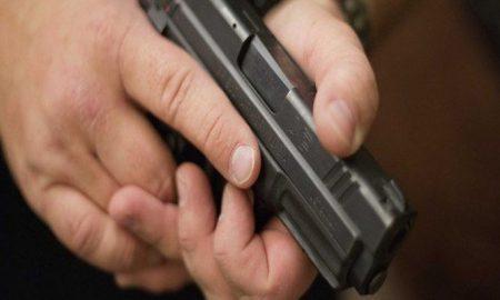 firearms-instructor-handgun-reuters-e1422905218789-700x400