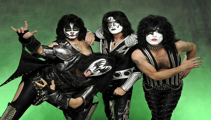 The Lead Singer of 'KISS' Just DESTROYED Colin Kaepernick On Stage