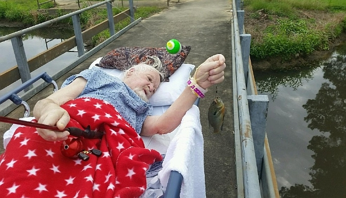 [WATCH] As Dying Wish, Veteran Catches His Final Fish