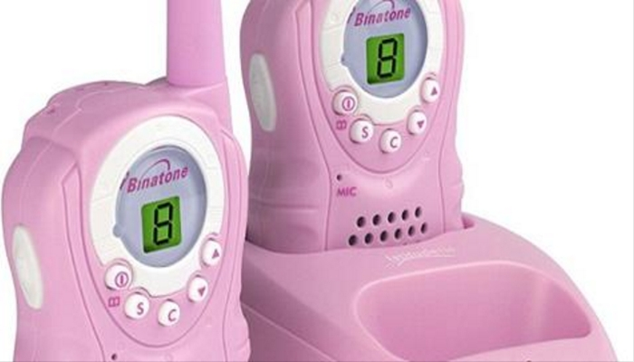 """""""Grown Man"""" Contacts Young Girls On Walkie Talkies They Got For Christmas"""