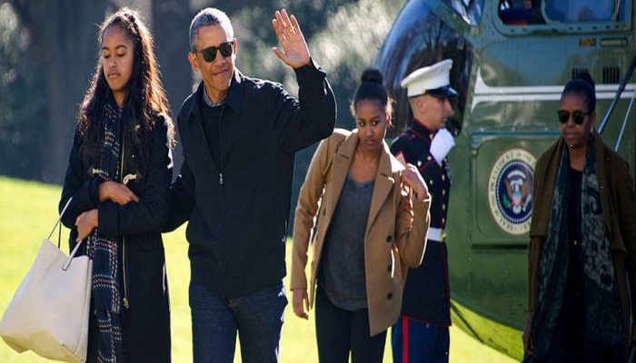 The Obama's Sent Out Their Last Christmas Card — There's Just One Problem — Do You See It?