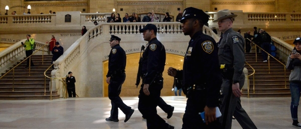 Members of the NYPD Joint Terrorism Task Force patrol Grand Central Station in the Manhattan borough in New York, March 22, 2016. REUTERS/Stephanie Keith