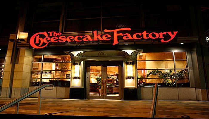 Armed Police Officers DENIED Service at Cheesecake Factory