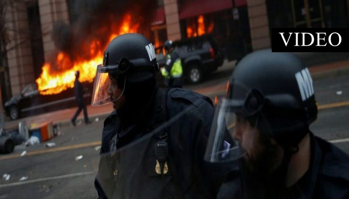Anti-Trump Rioters Clash With Police, Continue to Destroy Property [VIDEO]