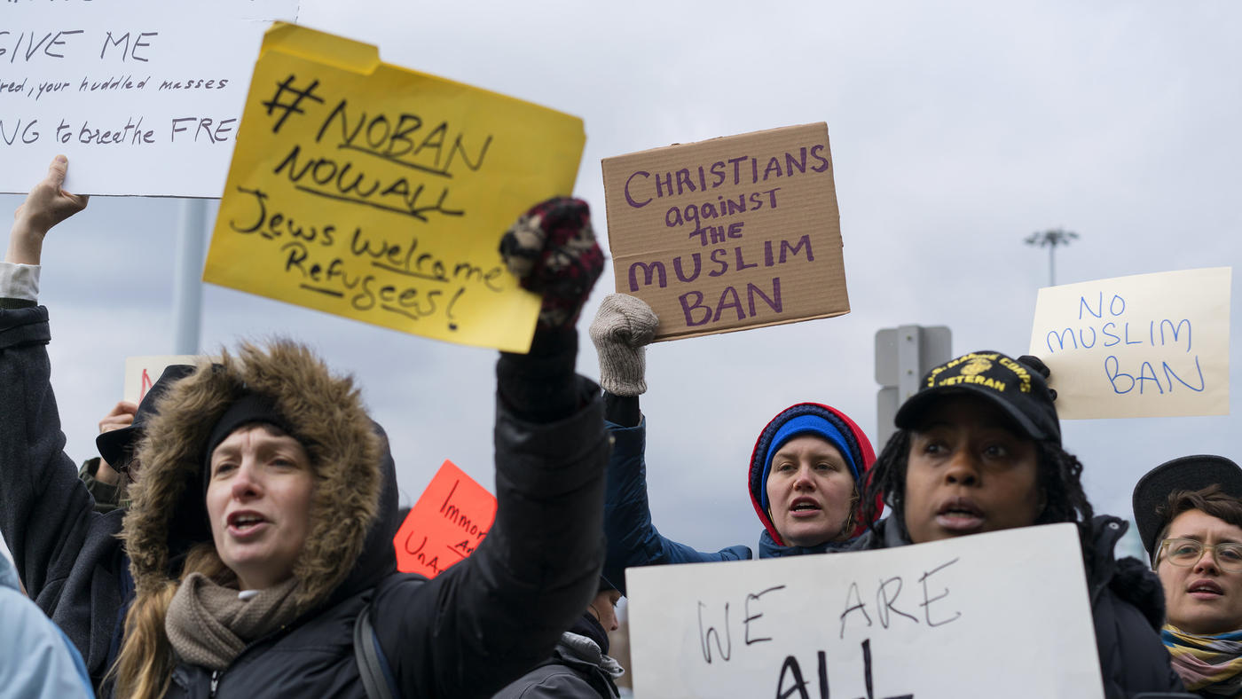 la-na-protests-against-trump-refugee-policy-20-006