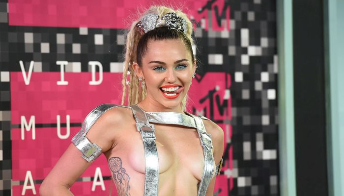 Dozens Of Miley Cyrus' Nude Photos Leaked Online, If You're Needing To VOMIT