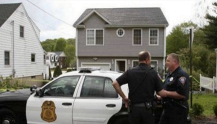 Man Suddenly Goes Crazy And Wife Calls Police, When They Arrive They Realize What He Ate