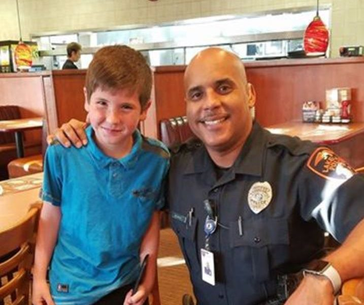 9yo Sees Cop Eating Alone. Pays For His Meal And Leaves Inspiring Note On Receipt