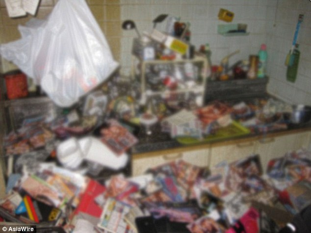 See How This Horny Hoarder Died From Porn