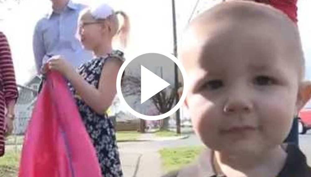 Kidnapper Snatches Baby Boy But Wasn't Expecting His Tiny Sister To Chase Him Down [WATCH]
