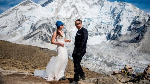 Couple got married at Mt Everest Base Camp - photo credit- Twitter