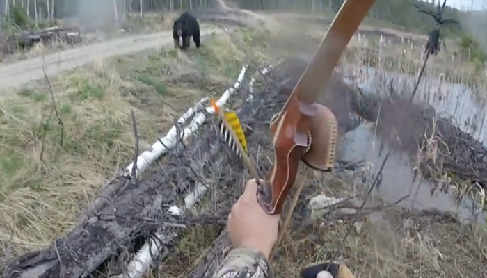 Man vs Bear: The Stomach-Churning Moment A Hunter Fights For His Life [VIDEO]