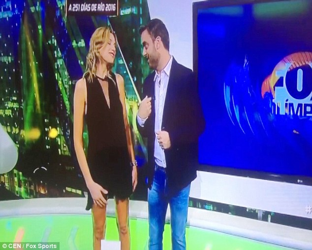 It Started Out as the Sports News But When Her Hand Got Caught in Her Dress It Became The View [VIDEO]