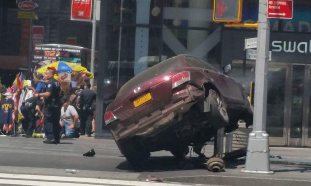 UPDATE – Vehicle Jumps Curb In Times Square