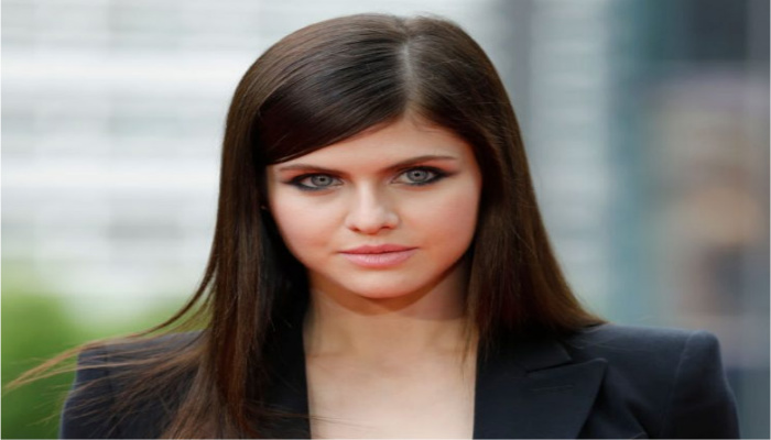 Alexandra Daddario's Photo Shoot Pushes The Limits Of The One-Piece Bathing Suit [VIDEO]