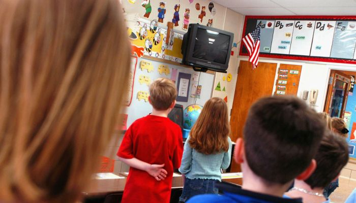 """Indiana Mom Sues Principal, Teacher After Her Son Is """"Forced"""" To Recite Pledge Of Allegiance"""