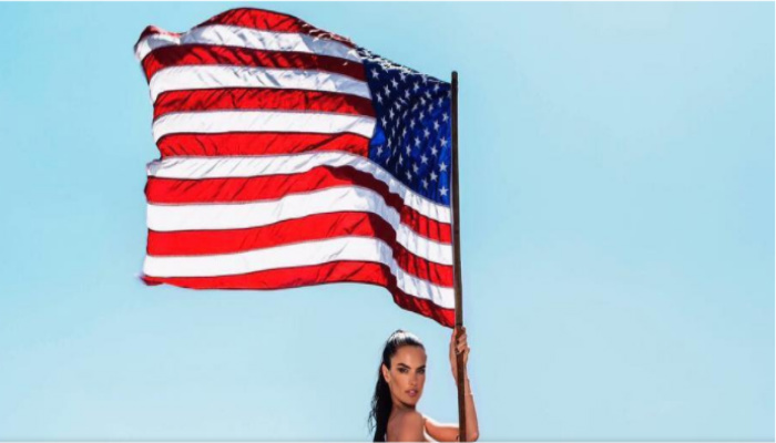Victoria's Secret Alessandra Ambrosio Went Completely Independent Of Her Clothes On July 4th