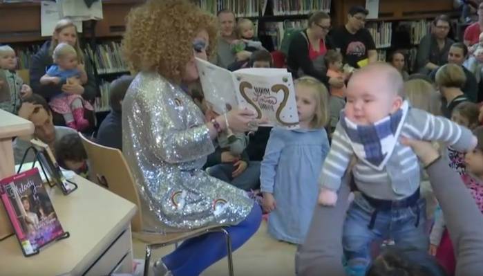 """""""Drag Queen Story Hour"""" Is Invading Public Libraries. Would You Allow Your Child To Attend [VIDEO]"""