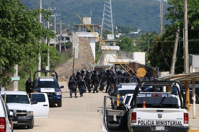 28 Prison Inmates Die: 5 Beheaded in Prison During John Kelly's Visit