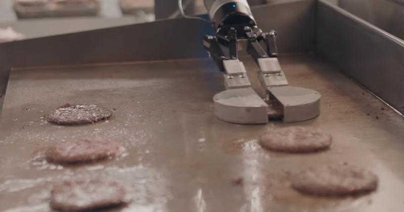 Fast Food Joints Looking at Burger Flippers That Don't Ask For $15 an Hour [VIDEO]