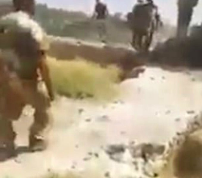Watch As Iraqi Troops Execute ISIS Fighters Mercilessly [GRAPHIC VIDEO]
