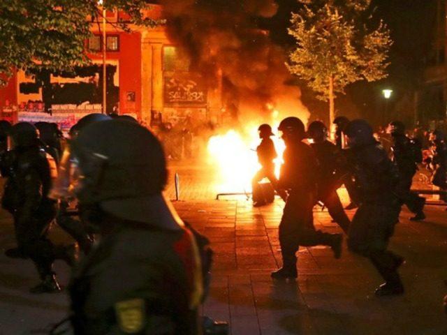 Merkel's Epic Failure: Hamburg Set Ablaze and 130 Cops Injured By Leftists [VIDEO]