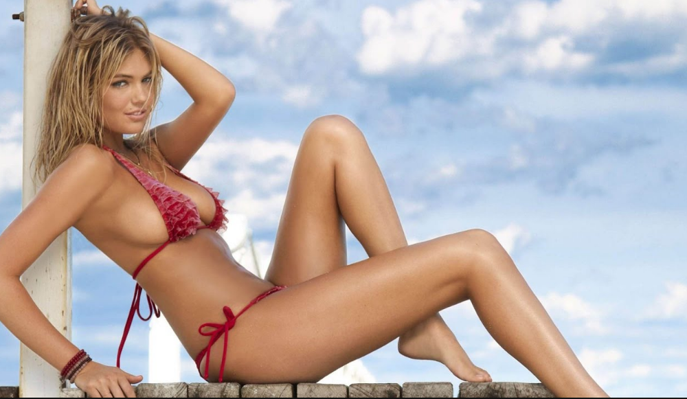 Kate Upton's Red,White and Blue Tribute To American Independence [PHOTOS]
