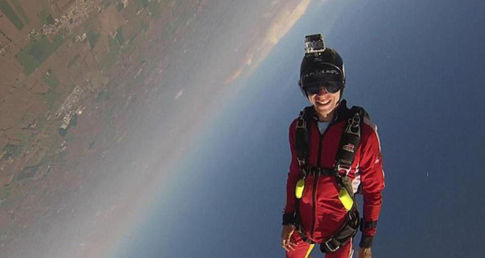 """Wife Devastated After Failing To Save Skydiver Husband Who Said He Is """"Not Going To Pull The Cord"""""""
