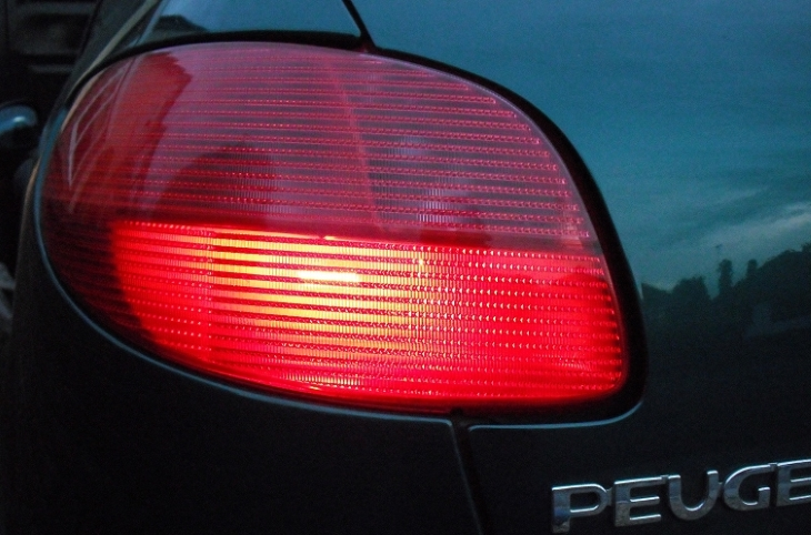 Do You Know Why Police Tap Your Taillight During Traffic Stop