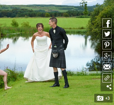 Naked Man Photobombs a Wedding Picture [PHOTOS]