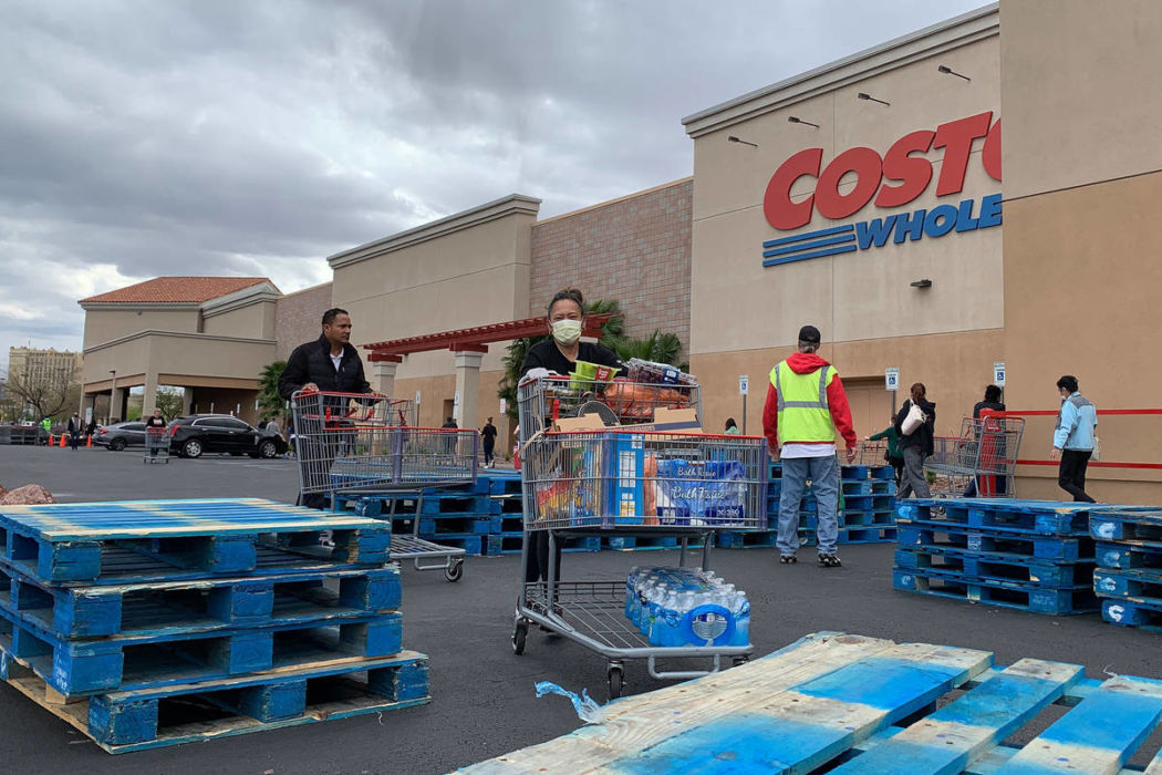 """Costco Manager Threatens Shoppers """"Wear A Mask OR ELSE"""" Then Takes their Cart Away from Them"""